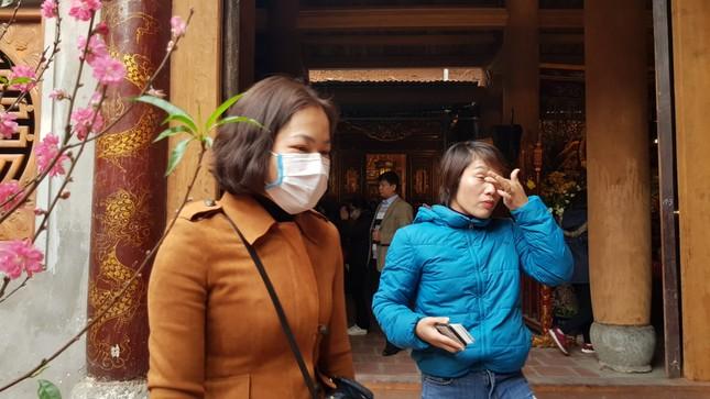 Cận cảnh du khách đến Hà Nội kín mít khẩu trang phòng dịch cúm ảnh 11