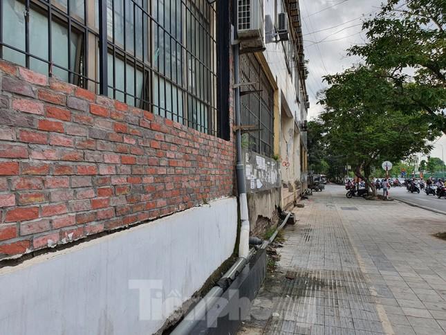 Tận thấy cảnh hoang tàn các khu nhà tái định cư ở Hà Nội ảnh 11