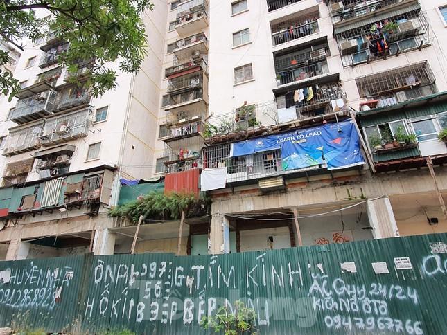 Tận thấy cảnh hoang tàn các khu nhà tái định cư ở Hà Nội ảnh 1