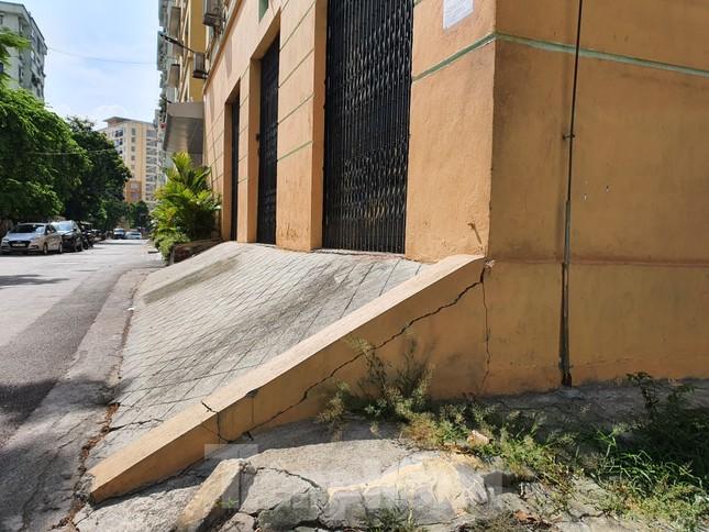 Tận thấy cảnh hoang tàn các khu nhà tái định cư ở Hà Nội ảnh 17