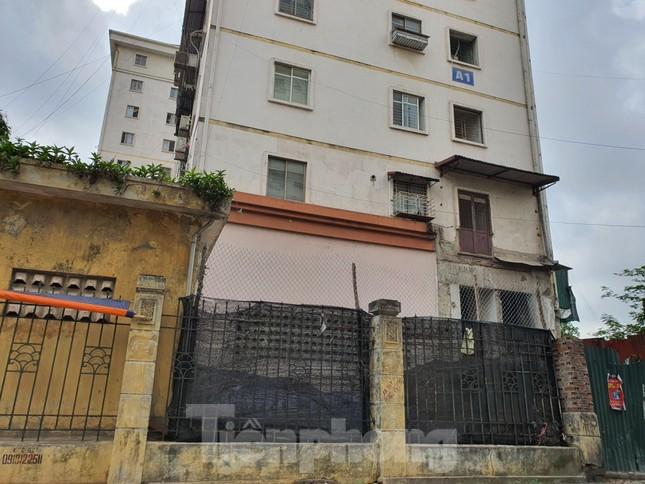 Tận thấy cảnh hoang tàn các khu nhà tái định cư ở Hà Nội ảnh 2