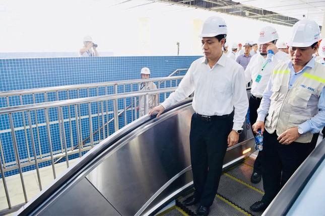 Trải nghiệm tàu Cát Linh - Hà Đông trong ngày đầu lăn bánh ảnh 1