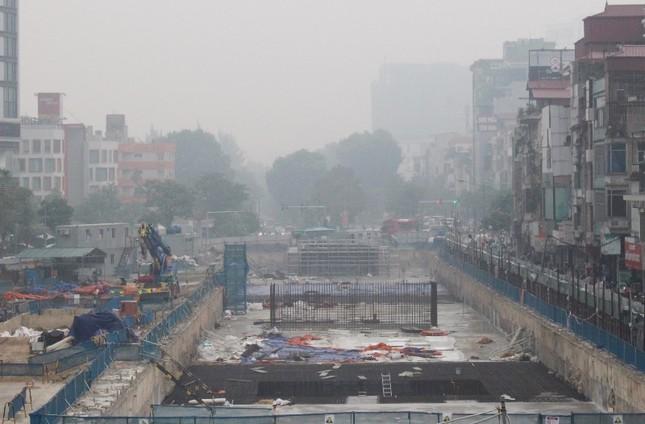 Cận cảnh các công trình thi công 'rùa' gây ô nhiễm bụi ảnh 6