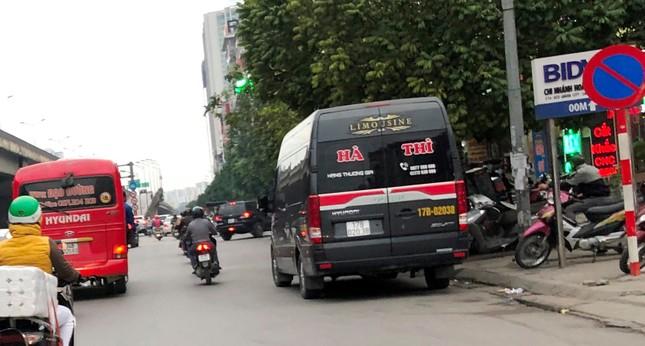 Nhiều xe khách hoạt động như 'xe vua' trên đường ảnh 10
