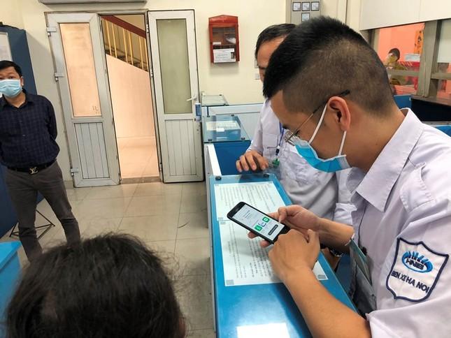 Buộc khai báo y tế điện tử, nhà xe trình điện thoại 'cùi bắp' ảnh 4
