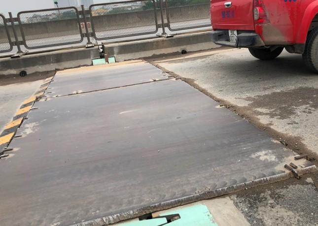 'Hầm chông' tại công trường sửa đường Vành đai 3 trên cao ảnh 6