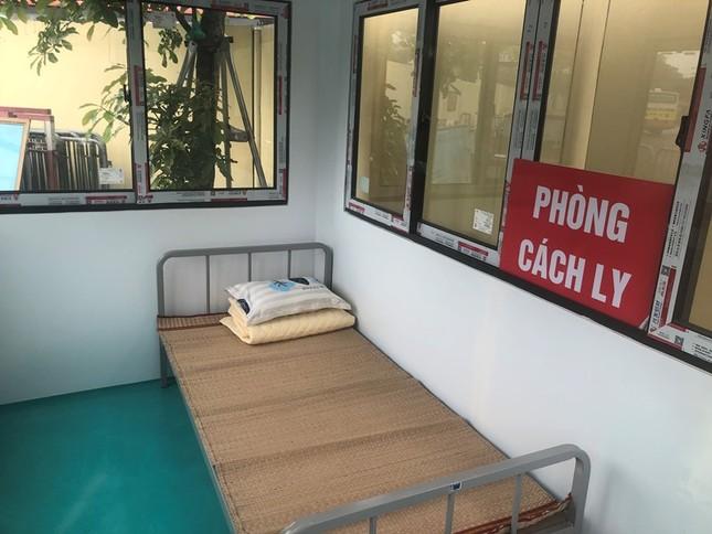 Bên trong nhà cách ly người nghi nhiễm Covid-19 tại bến xe Hà Nội có gì? ảnh 6