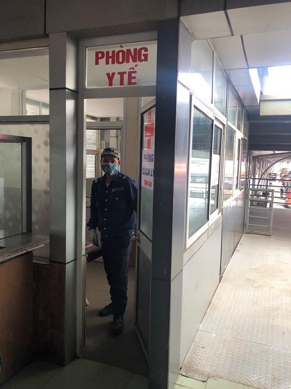 Bên trong nhà cách ly người nghi nhiễm Covid-19 tại bến xe Hà Nội có gì? ảnh 7