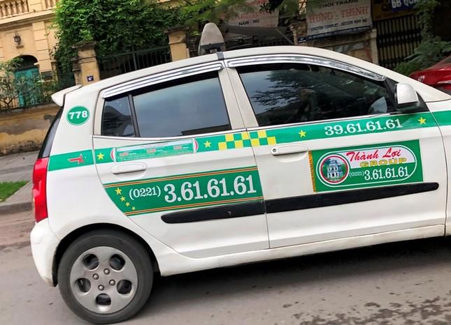 Nhiều taxi vẫn 'chống lệnh' hạ cửa kính khi chạy trên đường ảnh 8
