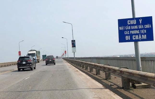 Mặt cầu Thăng Long 'rách tơi tả' sau nhiều lần sửa chữa ảnh 2