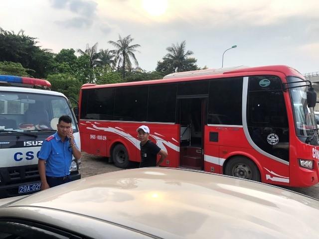 """Xe buýt hoạt động như """"xe dù"""" bị yêu cầu giải trình để xử lý ảnh 2"""