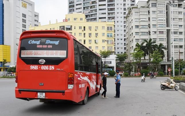 """Xe buýt hoạt động như """"xe dù"""" bị yêu cầu giải trình để xử lý ảnh 4"""