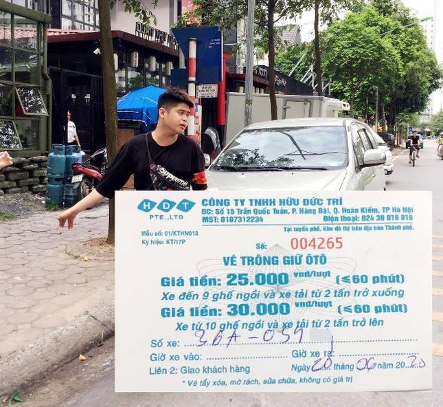 Nhân viên bãi xe Linh Đàm lại chặn xe, cưỡng đoạt tiền chủ xe ảnh 1