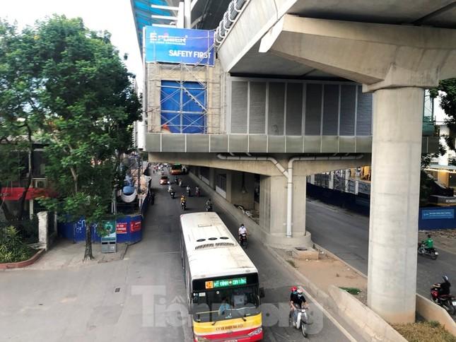 Cận cảnh đoạn metro Hà Nội vừa bị đòi bồi thường 19 triệu USD ảnh 7