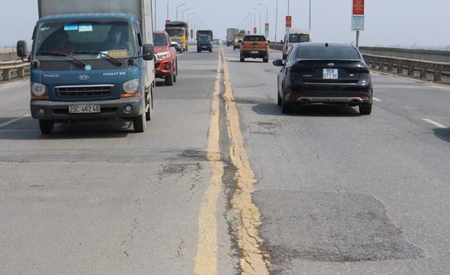 Cấm ô tô đi cầu Thăng Long từ 6/8, phương án phân luồng ra sao? ảnh 1
