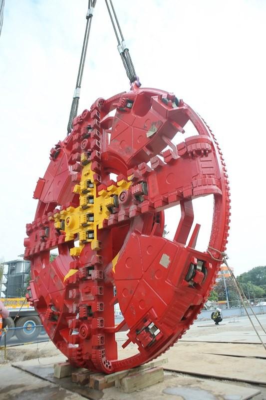 Tận thấy lắp ráp robot đào hầm khủng tuyến metro Nhổn - ga Hà Nội ảnh 2