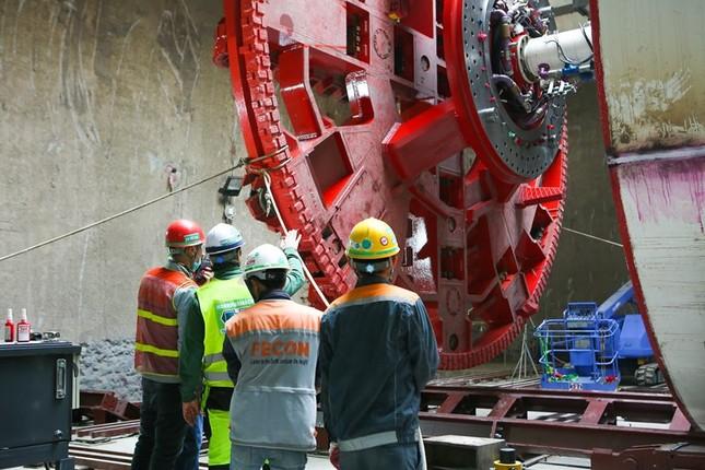 Tận thấy lắp ráp robot đào hầm khủng tuyến metro Nhổn - ga Hà Nội ảnh 7