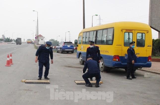 Cầu Thăng Long lập chốt kiểm soát xe quá tải thế nào? ảnh 7