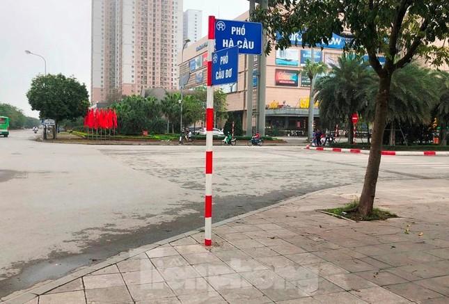 Cận cảnh các tuyến phố lát đá phá vỡ kết cấu vỉa hè Hà Nội ảnh 11
