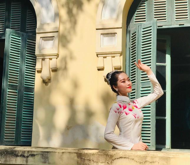"""Nữ sinh xứ Thanh xinh đẹp, tài năng của Đại học Mở: """"Tiếng Trung đến như một cái duyên"""" ảnh 2"""