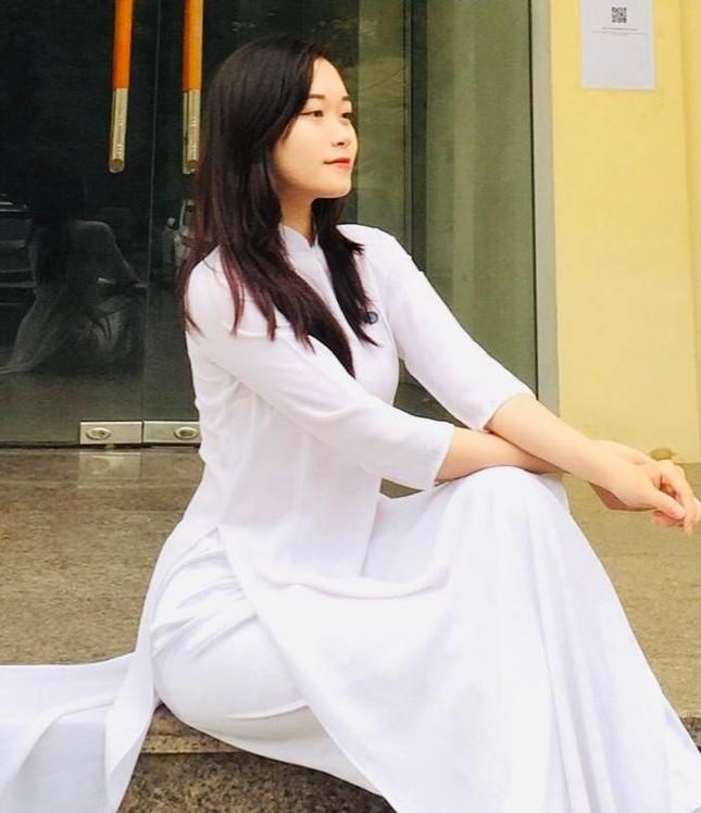 """Nữ sinh xứ Thanh xinh đẹp, tài năng của Đại học Mở: """"Tiếng Trung đến như một cái duyên"""" ảnh 3"""