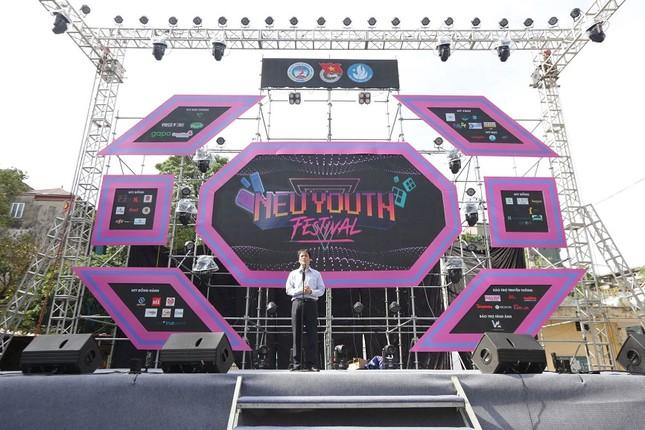 Ngày hội tuổi trẻ trường ĐH  Kinh tế Quốc dân 2020:  Bùng nổ sức trẻ! ảnh 1