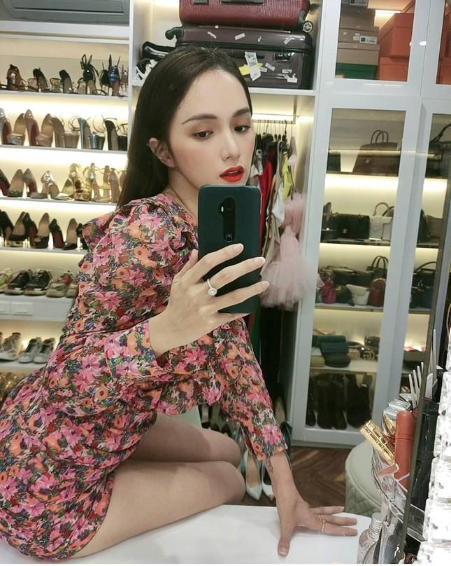 """Hoa hậu Hương Giang: """"Tôi luôn muốn vượt qua mọi vòng tròn do người khác định sẵn"""" ảnh 4"""