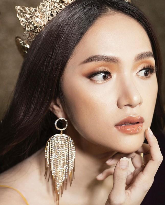 """Hoa hậu Hương Giang: """"Tôi luôn muốn vượt qua mọi vòng tròn do người khác định sẵn"""" ảnh 11"""