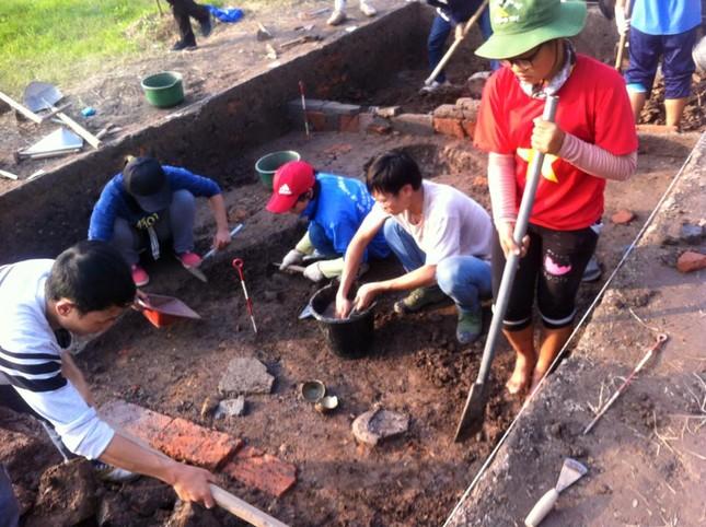 Khi sinh viên tập làm nhà khảo cổ học ảnh 1