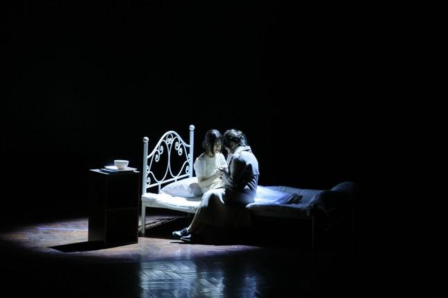 Lạc vào giữa hai thế giới thực - ảo với vở nhạc kịch English Performance ảnh 1