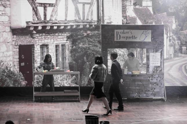 Lạc vào giữa hai thế giới thực - ảo với vở nhạc kịch English Performance ảnh 3