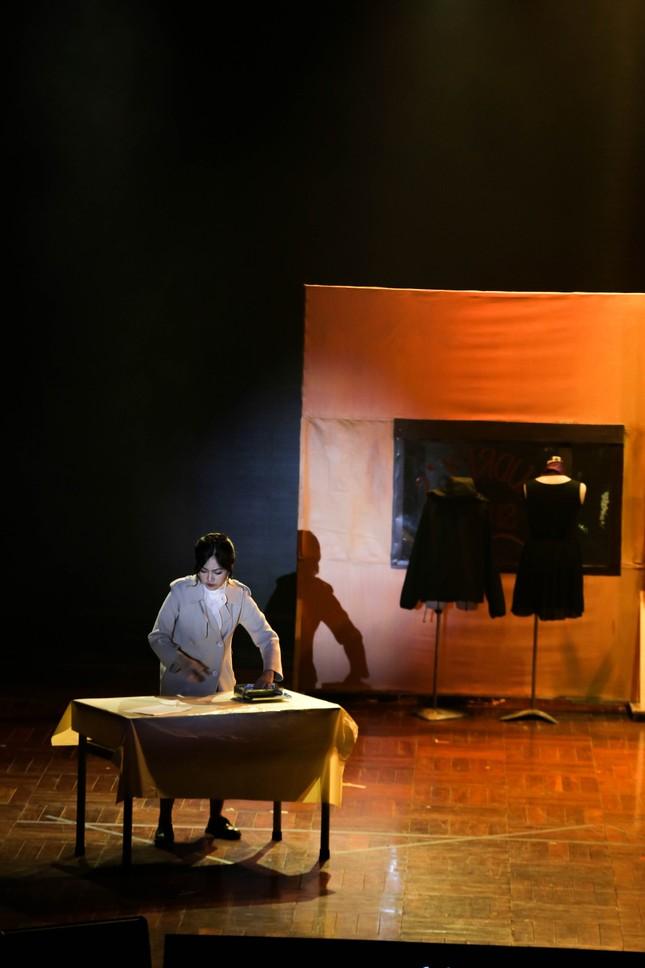 Lạc vào giữa hai thế giới thực - ảo với vở nhạc kịch English Performance ảnh 6