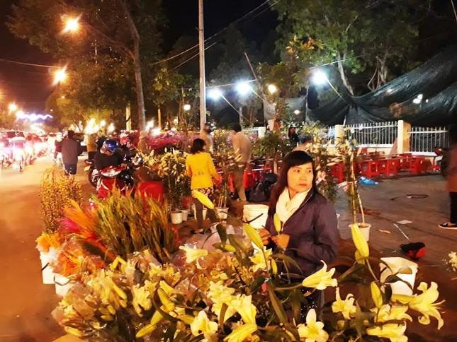 Người dân cả nước đón giao thừa Tết Đinh Dậu ảnh 67