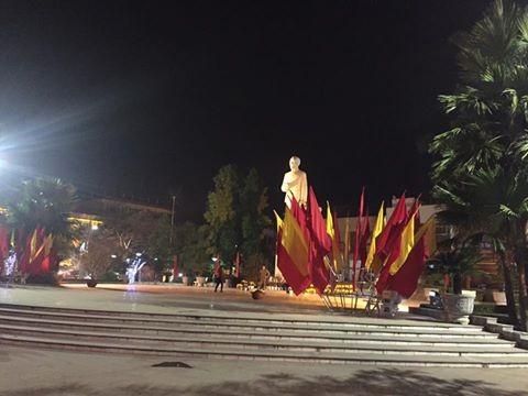 Người dân cả nước đón giao thừa Tết Đinh Dậu ảnh 55