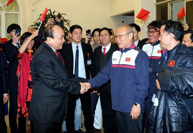 Thủ tướng: U23 Việt Nam tạo không khí yêu thương, lấn át mọi tiêu cực ảnh 1