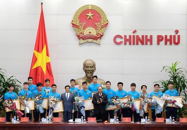 Thủ tướng: U23 Việt Nam tạo không khí yêu thương, lấn át mọi tiêu cực ảnh 2