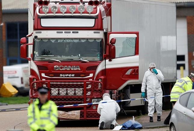 Phó Thủ tướng Phạm Bình Minh nói về vụ 39 người chết trong xe container ở Anh ảnh 1