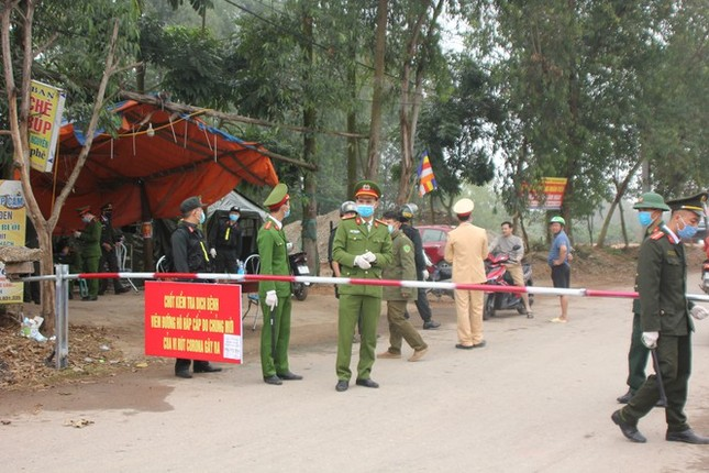 Thủ tướng gửi thư khen ngợi lực lượng Quân đội, Công an trong phòng chống dịch COVID-19 ảnh 1