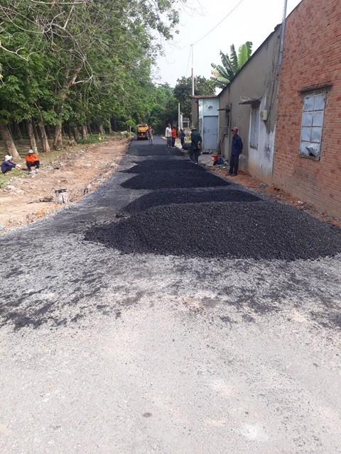 Vụ bỏ 200 triệu làm đường dân sinh: Phá đường nhựa quay về đường đất ảnh 2