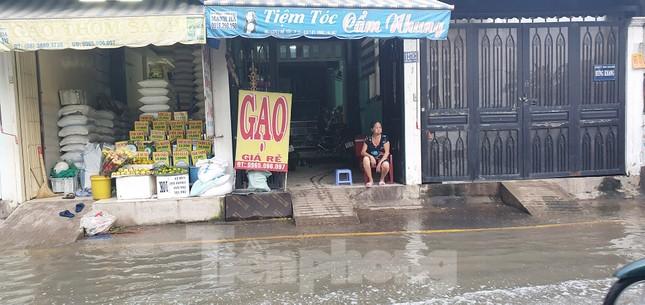 Người Sài Gòn xây 'lô cốt' chống ngập ảnh 9
