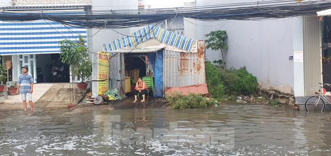 Người Sài Gòn xây 'lô cốt' chống ngập ảnh 10