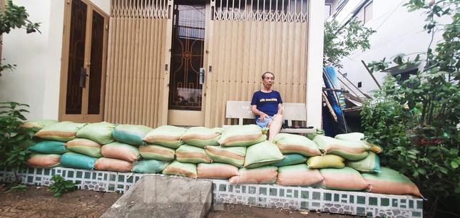 Người Sài Gòn xây 'lô cốt' chống ngập ảnh 20