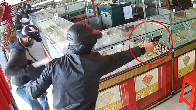Hành trình truy bắt 3 đối tượng nổ súng cướp tiệm vàng ảnh 2