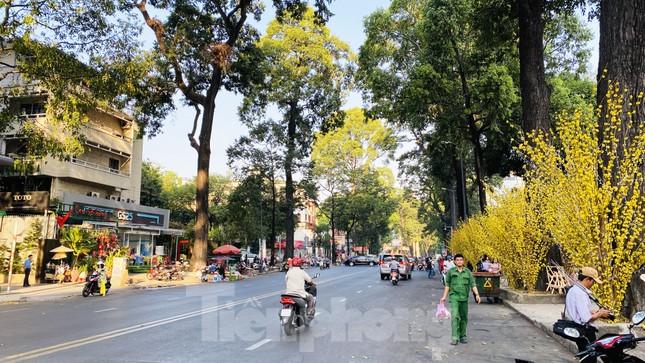 Đường phố Sài Gòn thông thoáng ngày đầu nghỉ Tết Nguyên đán 2020 ảnh 11