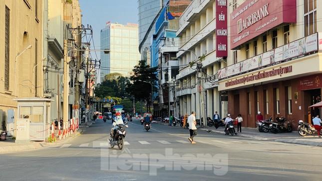 Đường phố Sài Gòn thông thoáng ngày đầu nghỉ Tết Nguyên đán 2020 ảnh 12
