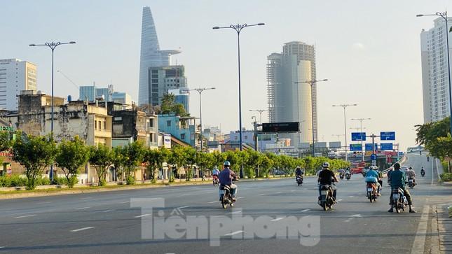 Đường phố Sài Gòn thông thoáng ngày đầu nghỉ Tết Nguyên đán 2020 ảnh 18