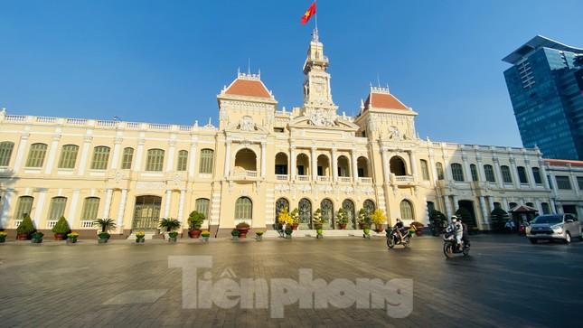 Đường phố Sài Gòn thông thoáng ngày đầu nghỉ Tết Nguyên đán 2020 ảnh 1