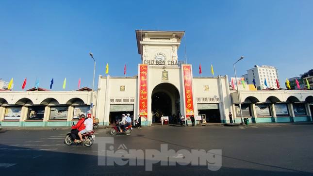 Đường phố Sài Gòn thông thoáng ngày đầu nghỉ Tết Nguyên đán 2020 ảnh 3