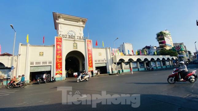 Đường phố Sài Gòn thông thoáng ngày đầu nghỉ Tết Nguyên đán 2020 ảnh 4