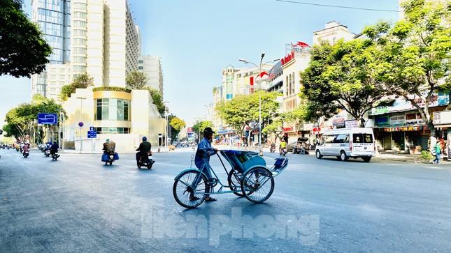 Đường phố Sài Gòn thông thoáng ngày đầu nghỉ Tết Nguyên đán 2020 ảnh 5